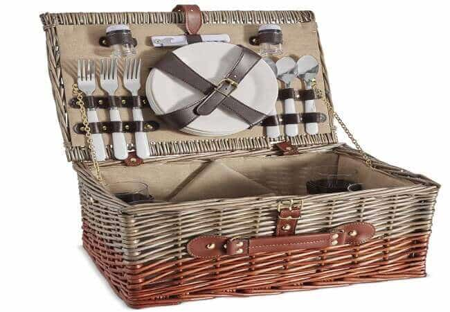 VonShef 4 Person Wicker Picnic Basket Set – Includes Flatware-Tableware Inc. Dinner Plates, Wine Glasses, Cotton Napkins, Cutlery – Perfect for Outdoor Family Fun